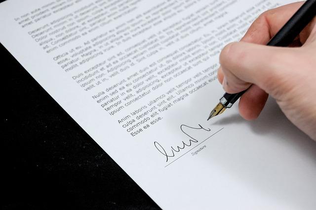 שירותי נוטריון לתרגום מסמכים